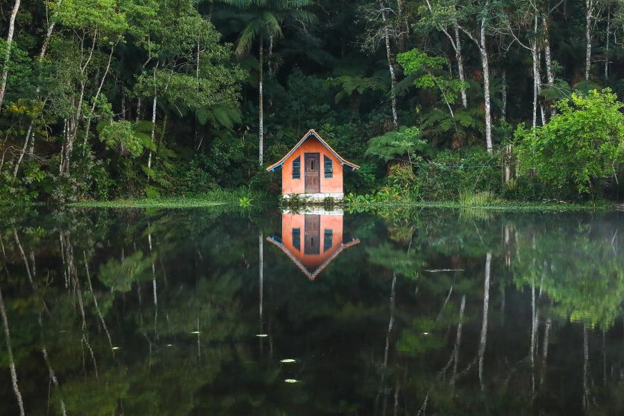 Construído em meio a natureza, chalés são opção de turismo rural em Tapiraí, no interior paulista