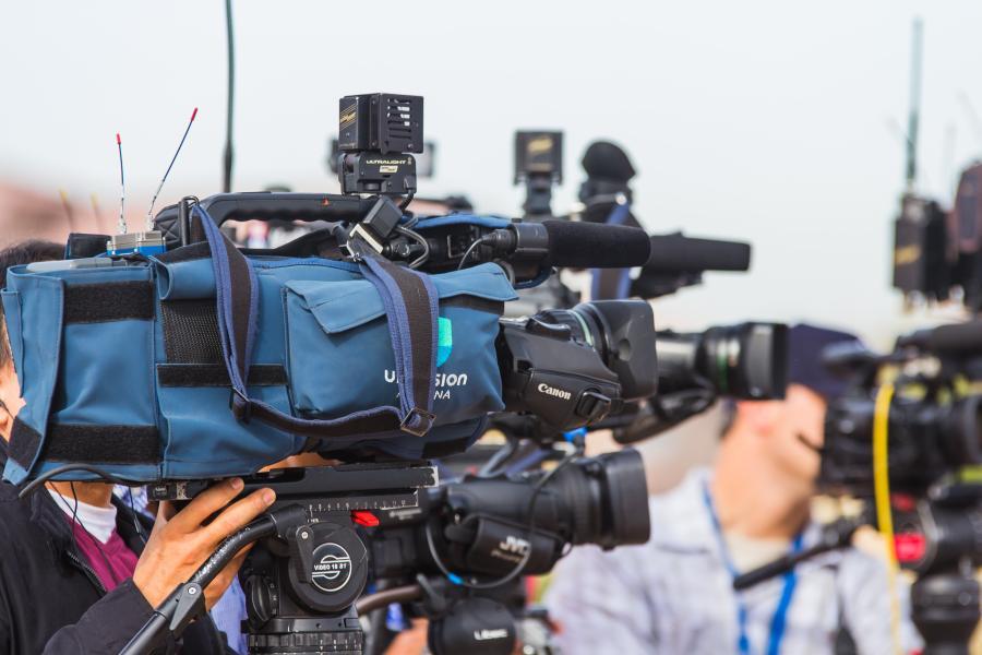 jornalistas em coletiva de imprensa