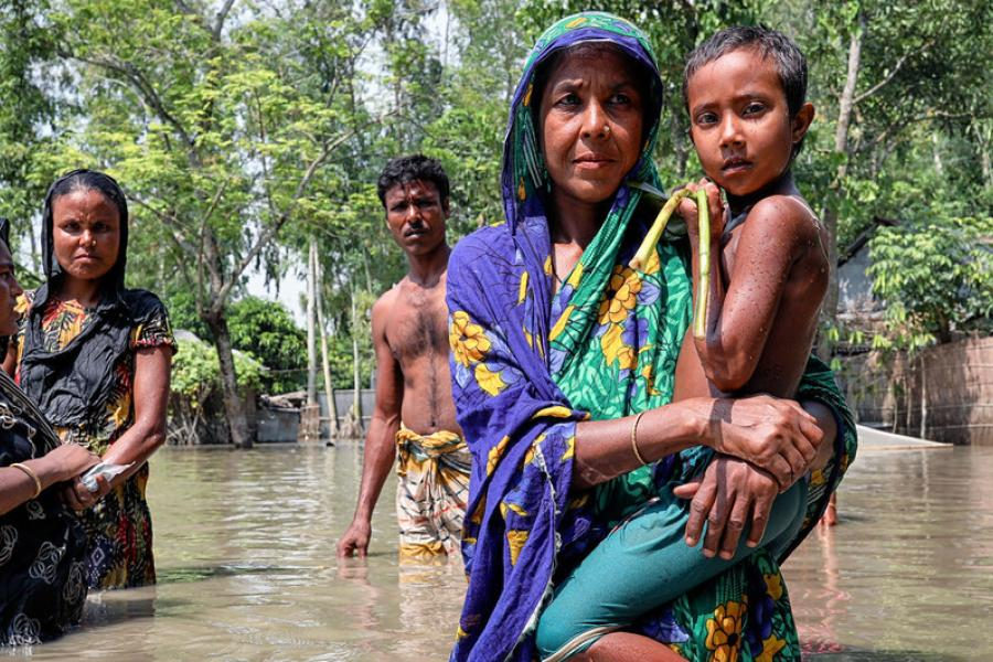 Inundações em Bangladesh destruíram casas em vilarejos remotos em Islampur